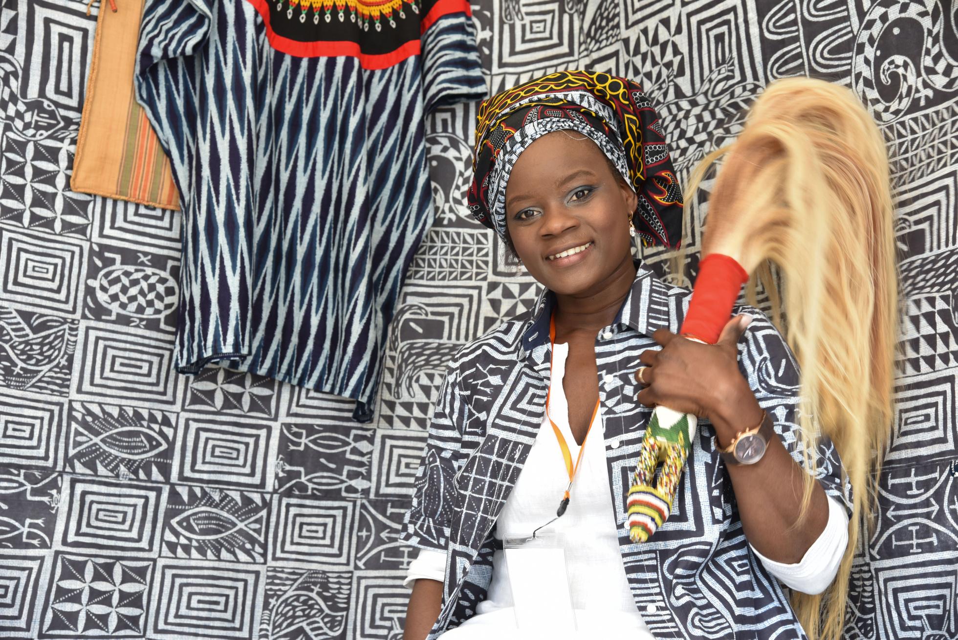 Öschelbronn, Kamerun-Festival, Rathausplatz , Sandra Lefang , GB-Foto: Vecsey