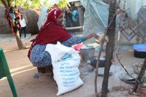 Halima beim Kochen fr ihre Familie_Copyright Islamic Relief