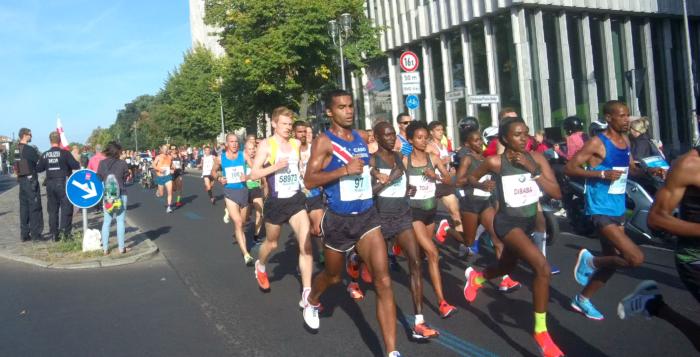 Beim Berlin Marathon 2018 wurden direkt zwei neue Rekorde aufgestellt © C.Suthorn_cc-by-sa-4.0_ commons.wikimedia.org