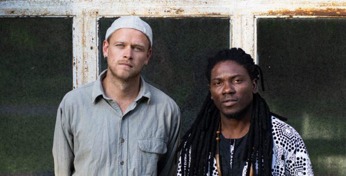 Eric Owusu (r.) und Yannick Nolting (l.) gründeten die Band Jembaa Grooves vor etwa einem Jahr in Berlin. © Jembaa Groove